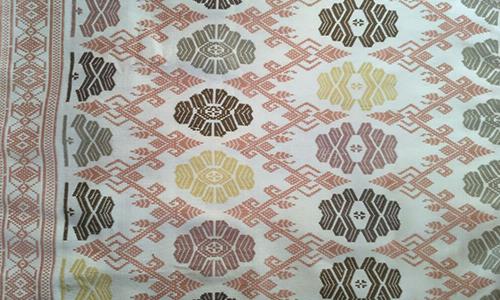 Kain Tenun Lombok Motif Enggok Warna Alami