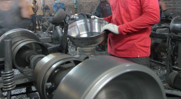 Contoh Perhitungan Investasi untuk Perbaikan atau Mengganti Mesin Pabrik Lama
