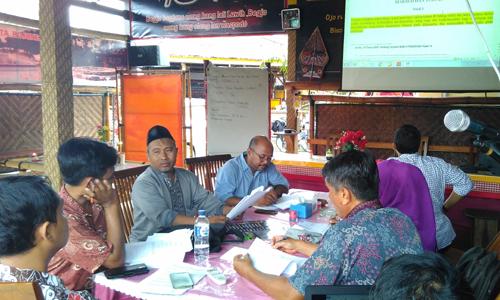 FGD Penyusunan Anggaran Dasar Yayasan Bina Mandiri Lestari (BIMANTARI), Kab. Bojonegoro, 18 Desember 2015