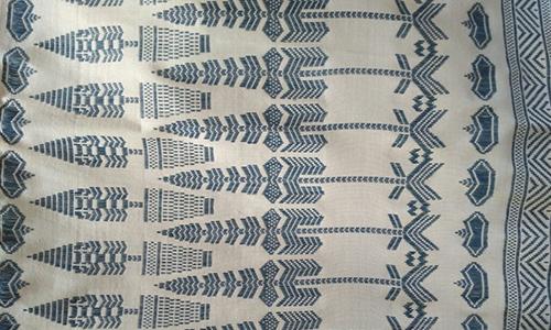 Kain Tenun Lombok Motif Panah Warna Alami